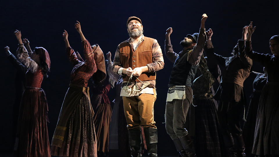 Fiddler_on_the_Roof_2015